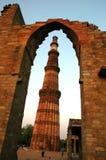 Qutab minar de Deli. Imagens de Stock