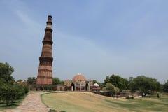 Qutab Minar na Índia de New Dehli fotografia de stock