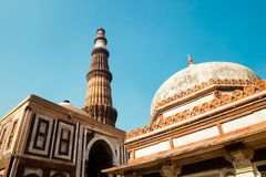 Qutub minar在德里,印度 免版税库存图片