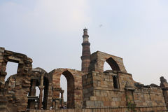 Qutub Minar courtyard and its ruins -  UNESCO World Heritage Sit Stock Photos