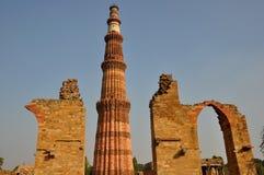 Qutub Minar wierza Delhi India fotografia stock