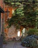 Quyet dekorerade detgamla scandinavian huset, kullersten, vinta Fotografering för Bildbyråer