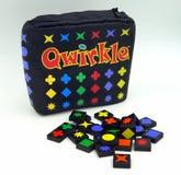 Qwirkle, opierająca się rodzinna gra Obrazy Royalty Free