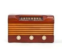 Rádio de madeira retro do tubo de vácuo do caso Fotos de Stock
