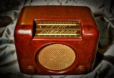 Rádio do vintage no cetim Foto de Stock