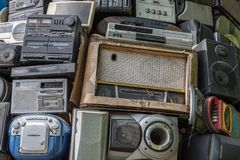 Rádios nostálgicos - tendência retro imagem de stock royalty free