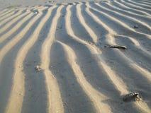 Równoległe fale piasek fotografia stock