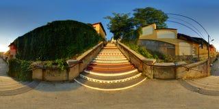 Rà ¡ kà ³在日落的czi台阶在Târgu MureÈ™,罗马尼亚 库存照片