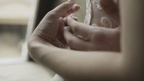 Ręki kochankowie które pieścą each inny zbiory