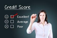 Räcka att sätta kontrollfläcken med den röda markören på utmärkt form för utvärdering för krediteringsställning background card c Fotografering för Bildbyråer