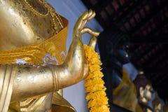 Räcka av buddha Royaltyfria Bilder