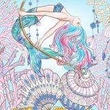Räcka den utdragna sjöjungfrun som svänger på rep i undervattens- värld Linne c Royaltyfria Bilder