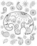 Räcka den utdragna tecknad filmelefanten, mandalas, paisleys, blommor och sidor för vuxen anti-spänning som färgar sidan royaltyfri illustrationer