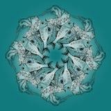 Räcka den utdragna vektorn den dekorativa mandalaen med fiskar och algen royaltyfri illustrationer