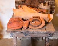 Räcka - gjorda hattar i spansk beskickning arkivfoto
