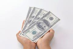 Räcka med pengar Royaltyfri Bild