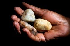 Räcka och stenar arkivfoto