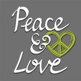 Räcka skriftlig fred och älska ord med hjärtafredsymbolet som märker typografiaffischen Royaltyfri Bild