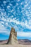 Räcka skulptur, symbolet av den Atacama öknen Royaltyfria Foton