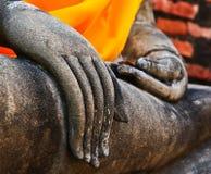 Räcker av buddha Fotografering för Bildbyråer