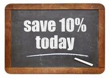Räddning 10% erbjuder i dag på svart tavla Arkivbilder