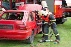Räddningsaktion från bilen Royaltyfria Foton
