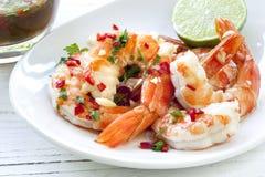 Räka med chili och limefrukt Fotografering för Bildbyråer