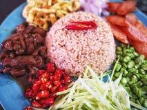 Räka stekte ris, thailändsk mat arkivfoton