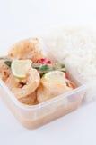 Away mat för thailändsk take, räkacitronsås med rice Fotografering för Bildbyråer