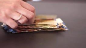 räkna pengar arkivfilmer