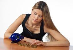 räkna pengarkvinnan Arkivbilder