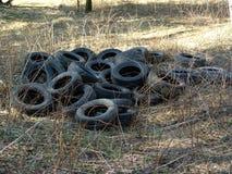räknar det gammala gummihjulet Fotografering för Bildbyråer