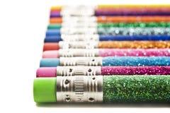 räknat färgrikt blänker blyertspennor arkivbilder