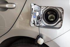 Räkning för bilbränslebehållare Arkivfoton