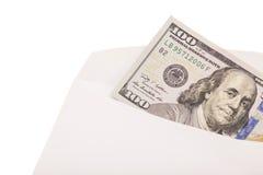 Räkning för US dollar 100 i ett kuvert Royaltyfria Foton