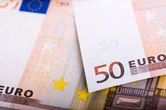 Räkningar av 50 EUR Arkivfoto