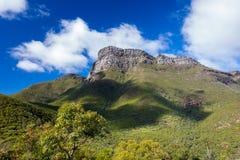 Rättframt rund kullebergmaximum, Sterling Ranges Australia Arkivfoto