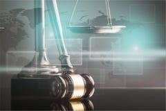 Rättvisa Scales och träauktionsklubba, lagbegrepp Arkivfoto