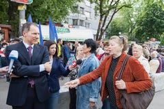 01.05.2014 rättvisamarsch i Kiev. Internationella bekanta arbetares dag (också som den Maj dagen) Royaltyfria Foton