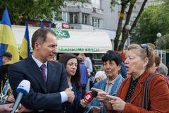 01.05.2014 rättvisamarsch i Kiev. Internationella bekanta arbetares dag (också som den Maj dagen) Royaltyfri Bild