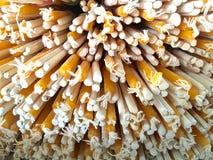Räucherstäbchen und candels Stockbild