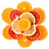 Rżnięta cytryna, krwionośna pomarańcze i mandarynka odizolowywająca, zdjęcie stock