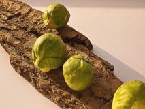 Rå Bryssel groddar - - kök Arkivbilder