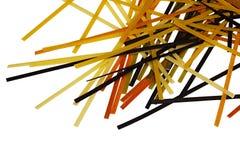 Rå färgad på måfå spridd pasta Royaltyfria Bilder