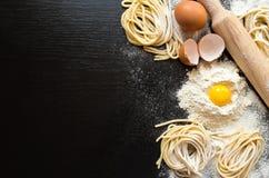 Rå hemlagad pasta Royaltyfri Fotografi