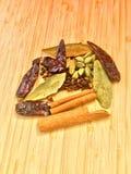 Rå indiska hela kryddor Royaltyfria Foton