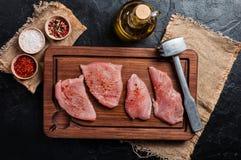 rå kalkon för meat arkivbild