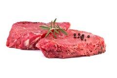 Rå nötköttsteak Arkivfoto