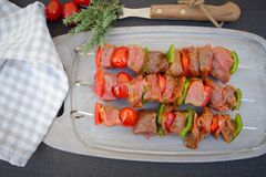 Rå nötköttsteknålar Royaltyfri Foto