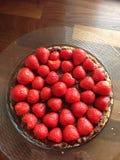 Rå organisk jordgubbekaka fotografering för bildbyråer